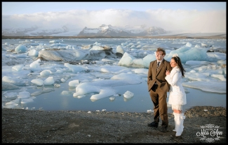 Iceland Wedding Jökulsárlón Glacier Lagoon Photos by Miss Ann