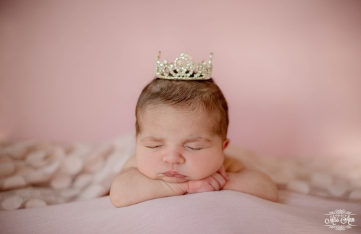 Reykjavik Iceland Newborn Photographer-Photos by Miss Ann