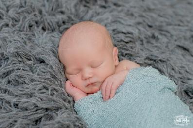 Best Newborn Photographer in Iceland